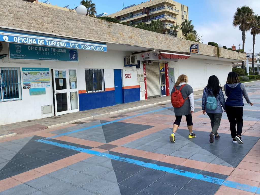 Paseo marítimo La Carihuela Oficina Turismo Torremolios